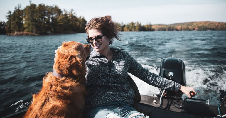 woman-dog-boat-customer-journey